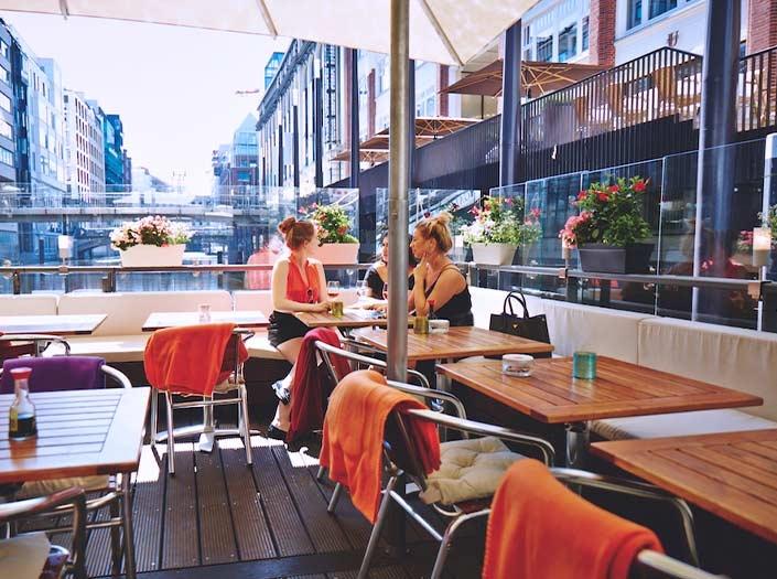 Restaurant Fleet Terrasse Galleria Ponton Hamburg Galleria Passage
