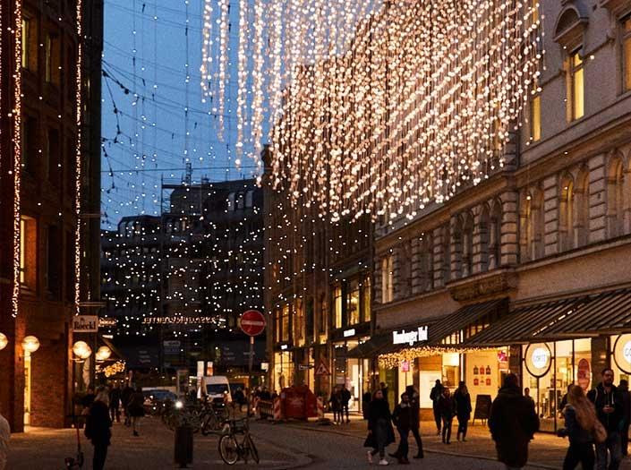 Verkaufsoffener Sonntag Lichtzauber Shopping Feuerwerk Hamburg GALLERIA Passage